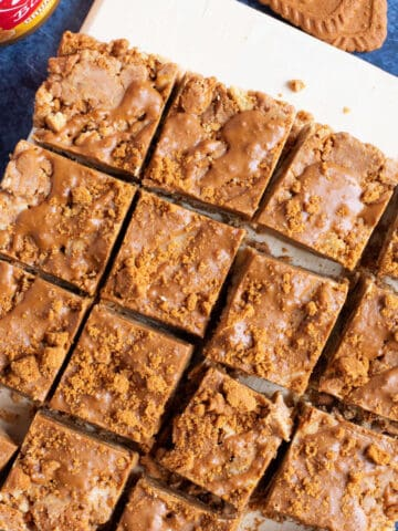 Biscoff Tiffin cut into squares.
