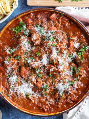 Chorizo bolognese with herbs and spaghetti