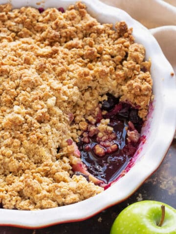 Fruity blueberry crumble with apples.