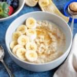 A bowl of peanut butter porridge.